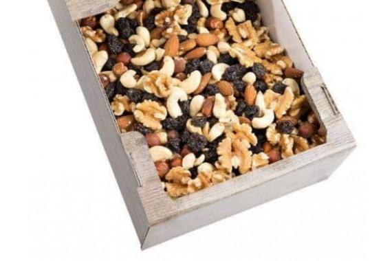 Mix  orechov a ovocia na študentskú pečať
