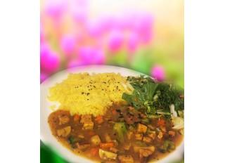 Ryža na kurkume a zeleninové sote