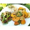 Ryža so zelenými strukami, temepehom a pečenou sezónnou zeleninou