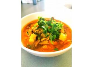 Jarná polievka s fazuľovou mrveničkou a jarnými hribami