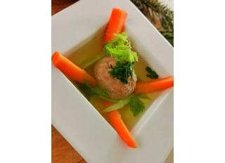 Zeleninová polievka s ryžovými knedličkami a ryžovou miso pastou